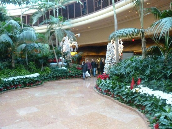 The Mirage Hotel & Casino: Hotel ground floor