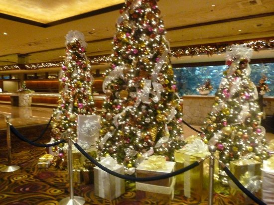 The Mirage Hotel & Casino: Hotel lobby