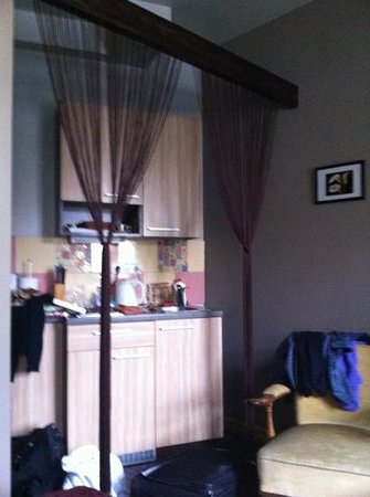 Lvovo Apartments: kitchen