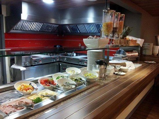 Ibis Kaunas Centre: buffet