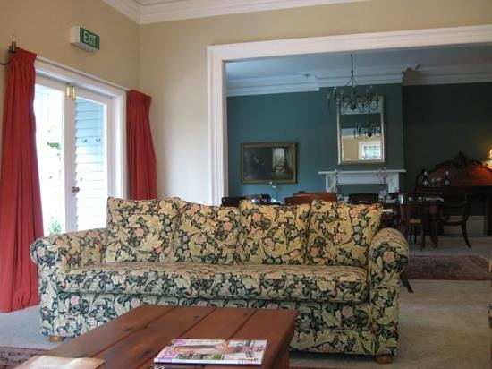 Orari Bed & Breakfast : great place to relax with a local wine