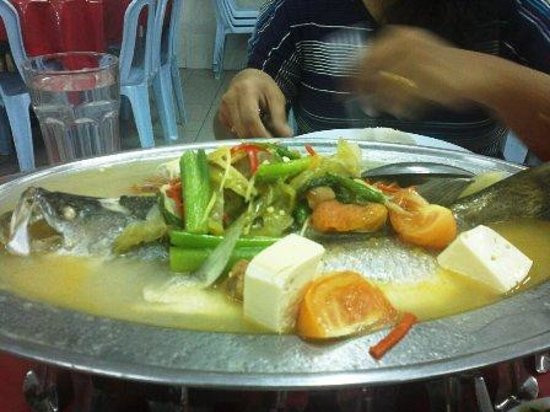 Mukmin Jaya Seafood: Steam Sea Bass