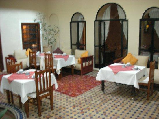 Riad Marana: Dining area