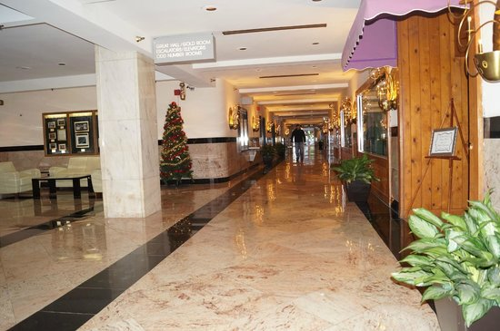 The Congress Plaza Hotel and Convention Center: Lobby level