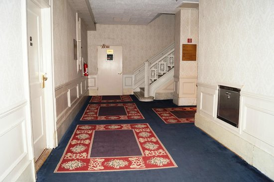 The Congress Plaza Hotel and Convention Center: Hallway
