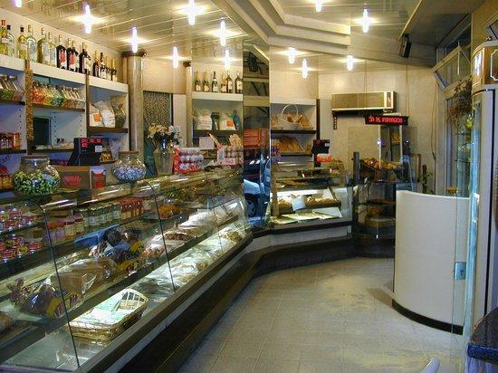 Gastronomia Stefani: Interno del locale