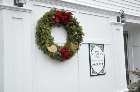 The Whaler's Inn: Wreath