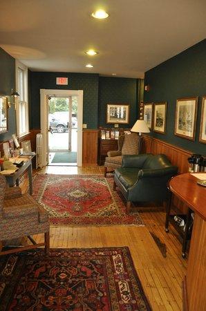 The Whaler's Inn: Lobby