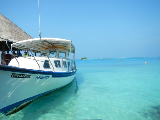 Club Med Kani: Snorkelling Boat