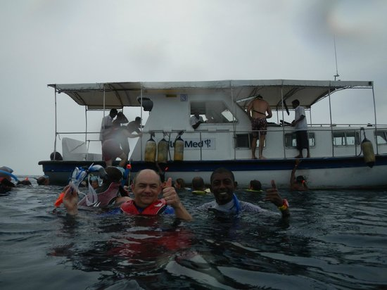 Club Med Kani : Snorkelling in the rain with Kiki
