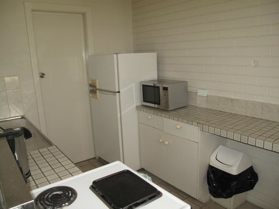 BEST WESTERN Endeavour Motel: Kitchen