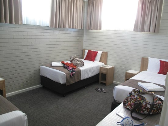 BEST WESTERN Endeavour Motel: children's room