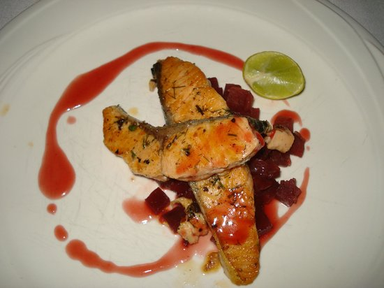 Club Med Kani: Salmon with beetroot - Yum!