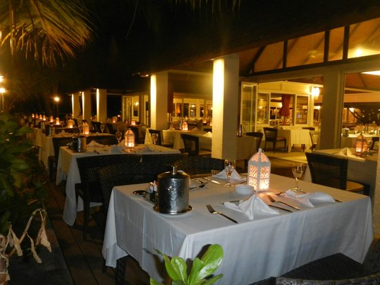 Club Med Kani: Main Restaurant set for dinner