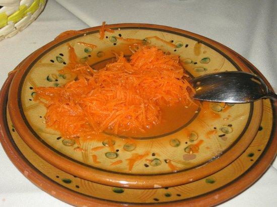 Restaurante Sultan: Ensalada de zanahoria con zumo de naranja