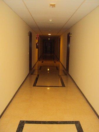 Myramar Fuengirola Hotel: Pasillo de las habitaciones