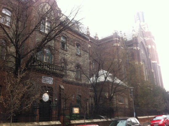 Dominik Panzio : Exterior on Chazar Andras Street