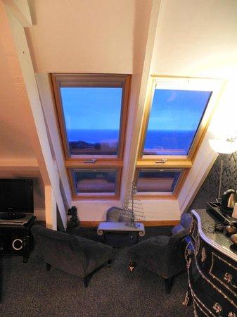 Les Chambres d'Annie: vue de 2 velux (sur 6) de la chambre BACCARAT