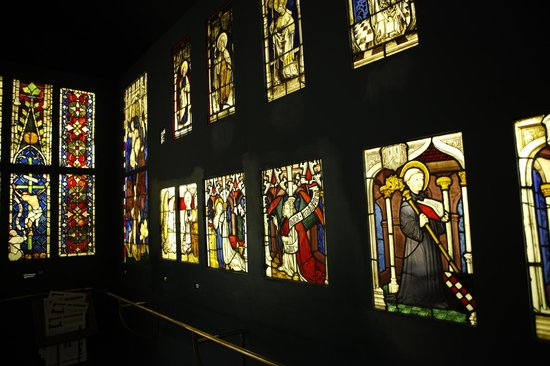 Vitrais do acervo do Museu Cluny em Paris