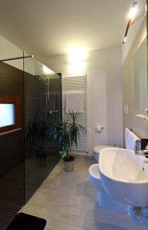 Ca' Del Faro: Bagno Luxury