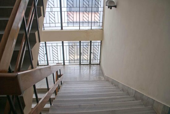 Chaithram Hotel: Stairs