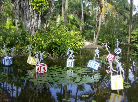 Magnificent Glass Tree Sculpture Picture Of Mckee Botanical Garden Vero Beach Tripadvisor