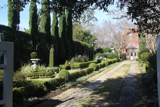Private Gardens Picture Of Charleston Tea Party Tours Charleston Tripadvisor