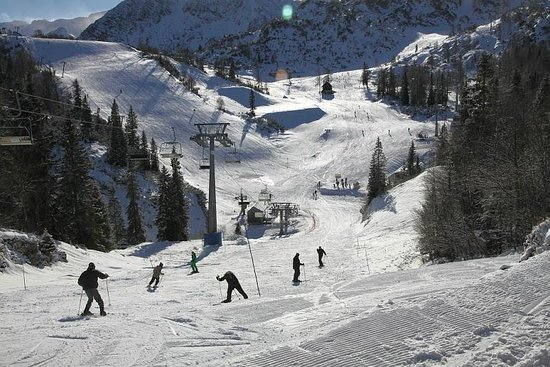 Vogel Ski Center: Some of the available ski runs from Vogel, some accessible by other ski lifts