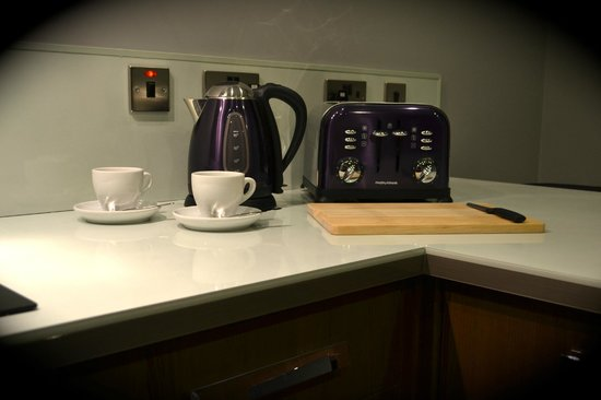 Epic Serviced Apartments: The Georgian - Kitchen