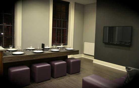 Epic Serviced Apartments: The Georgian- Kitchen/Lounge