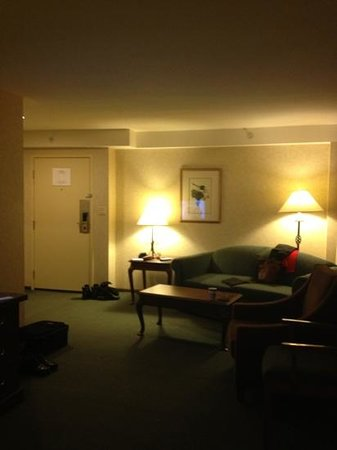 Vernon Atrium Hotel and Conference Centre: our room