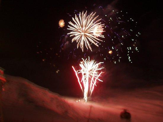 Fahrenheit Seven Val Thorens: feu d''artifice vu de la terrasse