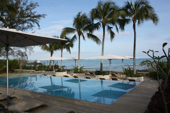 Mon Choisy Beach R.: Magnifique vue depuis la piscine