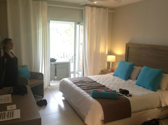 Mon Choisy Beach Resort: Chambre propre et spacieuse