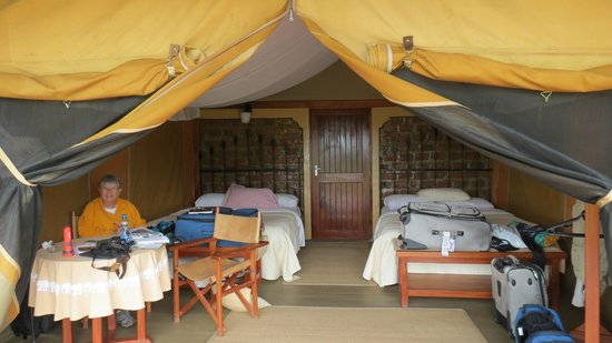 Mara West Camp: Each room has two luxurious queen beds!