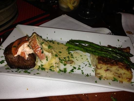 Jimmy's HideAway : surf and turf. a real 10