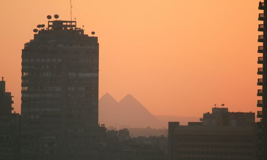 InterContinental Cairo Semiramis: Pyramids Sunset