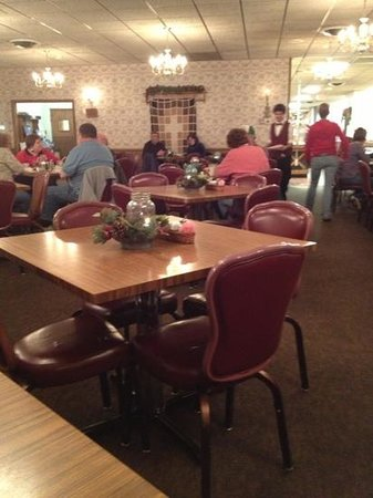 Mountain Gate Family Restaurant: Mountain Gate Dining Room