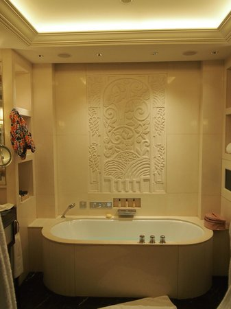The Peninsula Shanghai: Beautiful Bathroom. Mood lighting, TV and Spa music at a touch of a button!