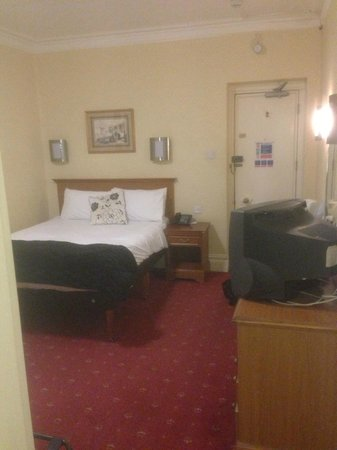 North Stafford Hotel: bedroom (standard room)