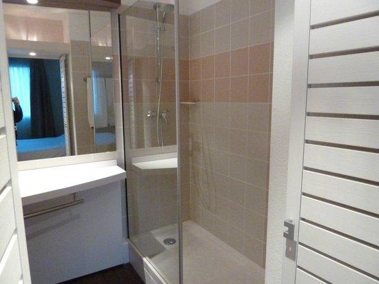Suite-Home Apt en Luberon: salle de bain