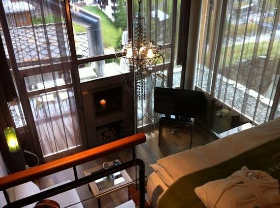 Coeur des Alpes : Chambre 'Romaine' vue depuis l'étage