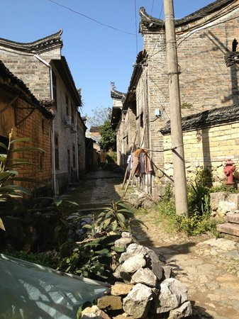 Secret Garden Boutique Hotel: Village backstreets.