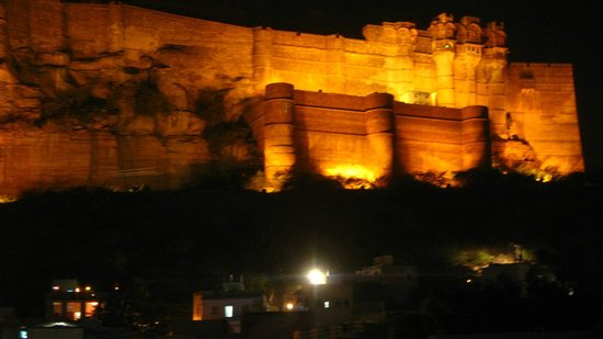 Darikhana at RAAS Jodhpur : View of the fort from the restaurant