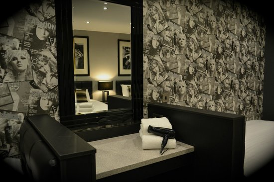Epic Serviced Apartments: The City Chic - Bedroom