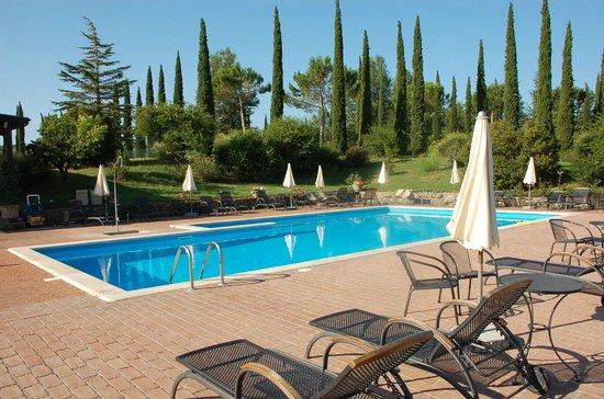 Agriturismo La Sovana: Vista sulla piscina