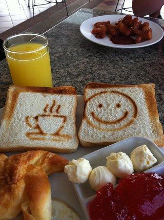 หัวหิน บลูเวฟ บีช รีสอร์ท: frukost