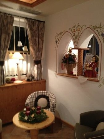 Hotel Villa Cristina: Un angolo del salottino