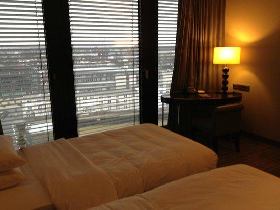 Hyatt Regency Dusseldorf: Standard Room