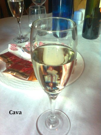 Gemisant Restaurant and Pizzeria: more liquids to start the new year - Cava - at the end